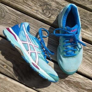 Asics Gel Cumulus 18 Blue and White Sneakers 9.5